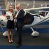 Dacher Systems übergibt auf der AERO 2016 das erste sky[nav]pro: Berliner Flugschule RUWE AERO stattet erstes seiner neun Flugzeuge mit 4-in-1-Lösung
