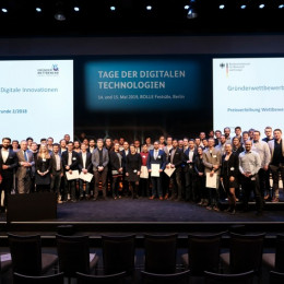 """Preisverleihung auf den Tagen der digitalen Technologien in Berlin: Gewinner des """"Gründerwettbewerb – Digitale Innovationen"""" ausgezeichnet (FOTO)"""