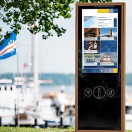 Kieler Emmaus-Kindertagesstätte erhält Spende von IT-Dienstleister für neuen Outdoor-Bereich