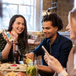 Neue App zur Unterstützung der Gastronomen visualisiert die Speisekarte (FOTO)