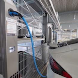 Moving the Future – in-tech stellt eigene Firmenflotte auf Elektromobilität um